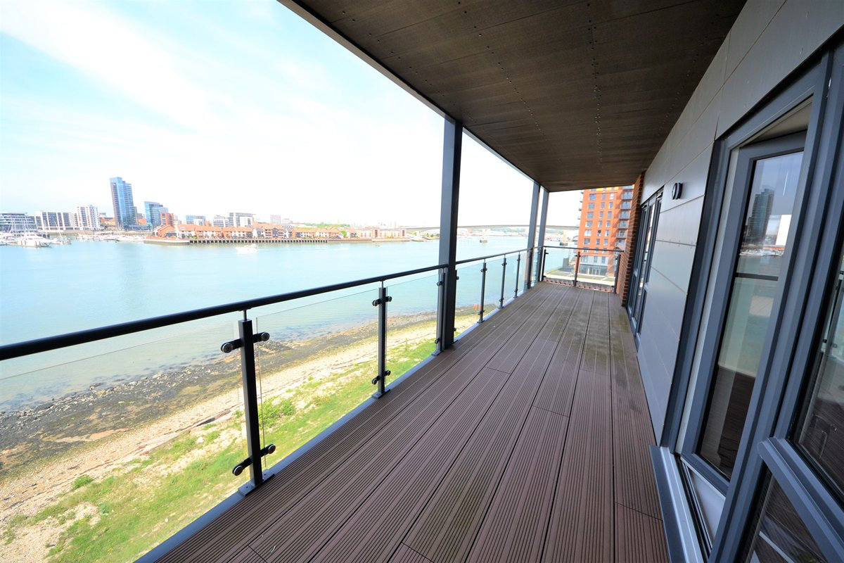 Selling property in Centenary Quay
